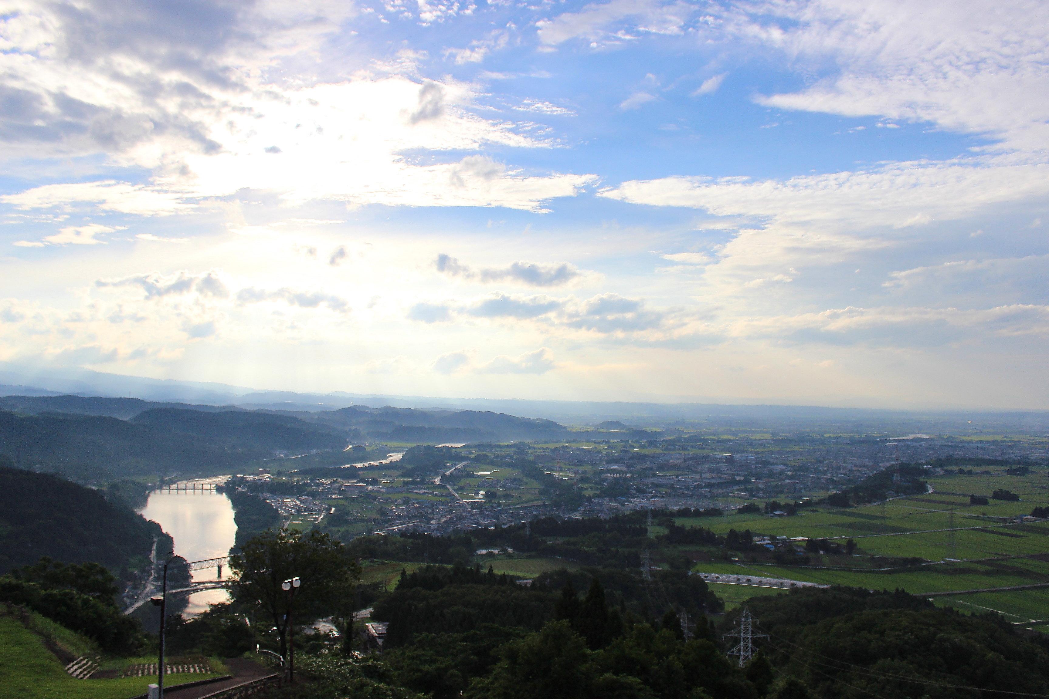 【風の城】富山平野を見下ろす神通川の絶景を展望してきた