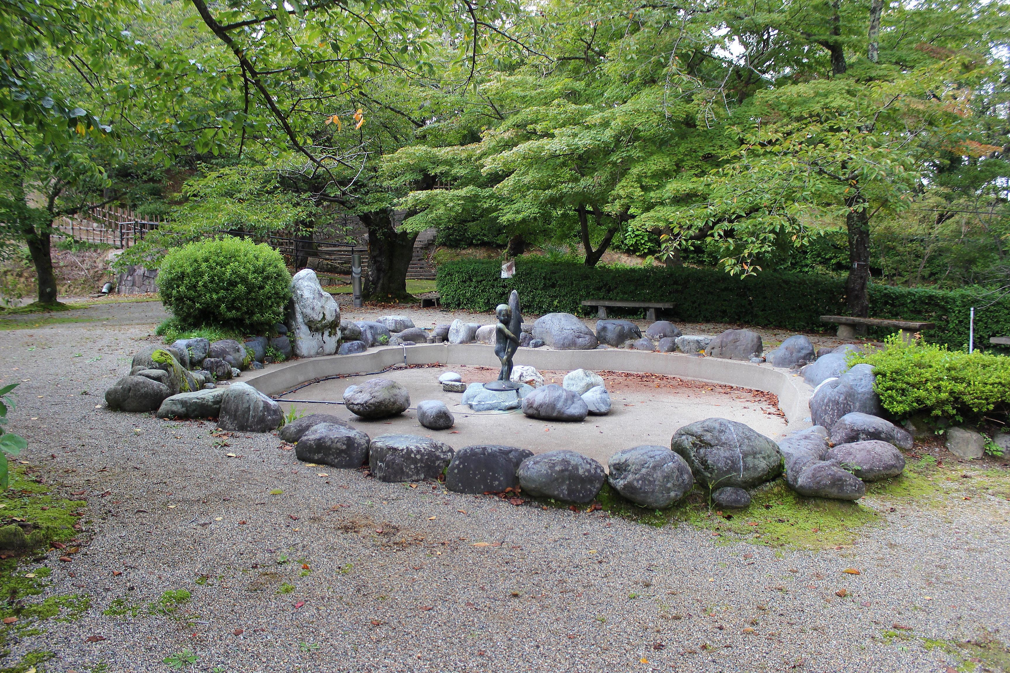 謎のブリ小僧を求めて「朝日山公園」