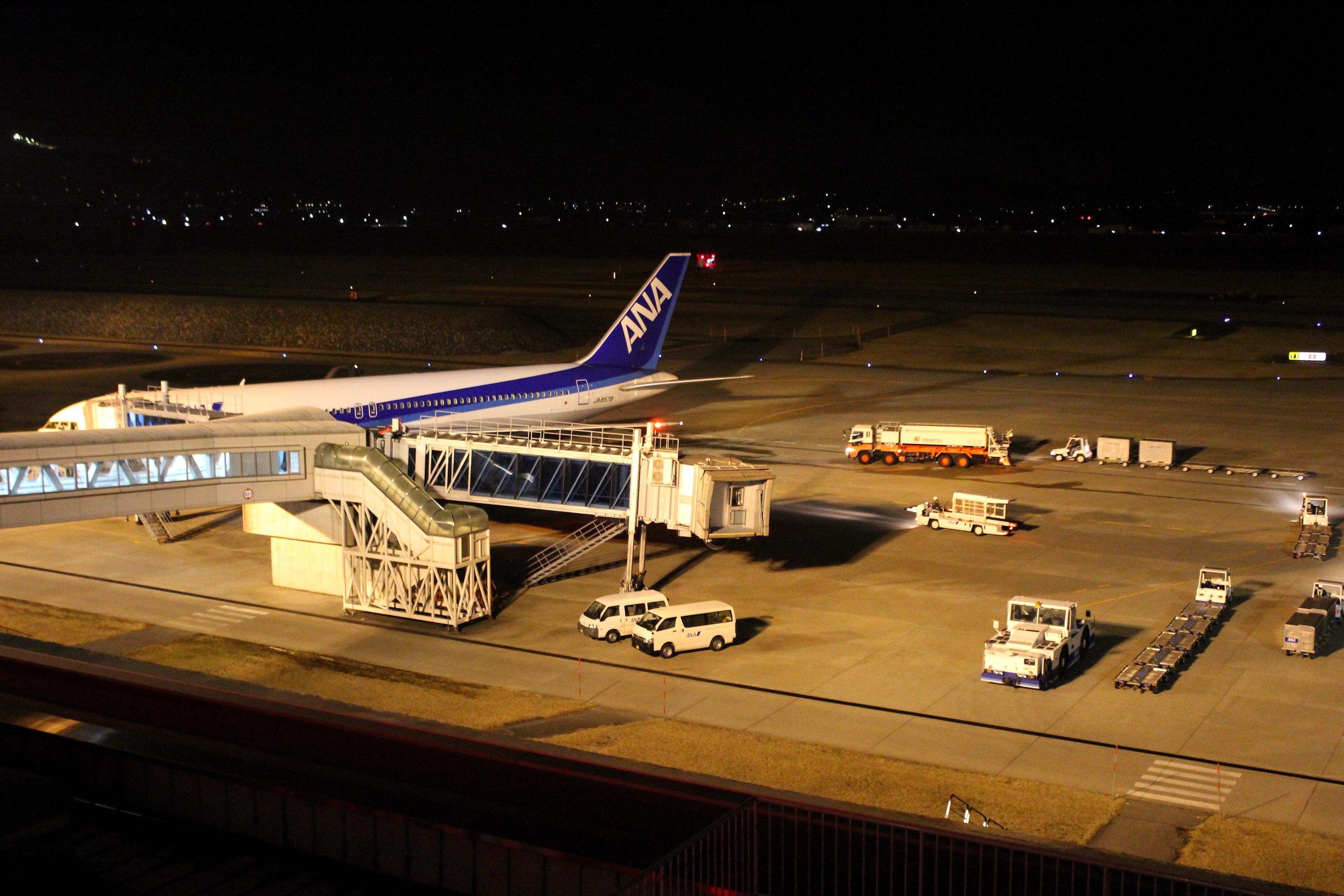 【富山きときと空港の夜景】穴場デートスポットに行ってきた