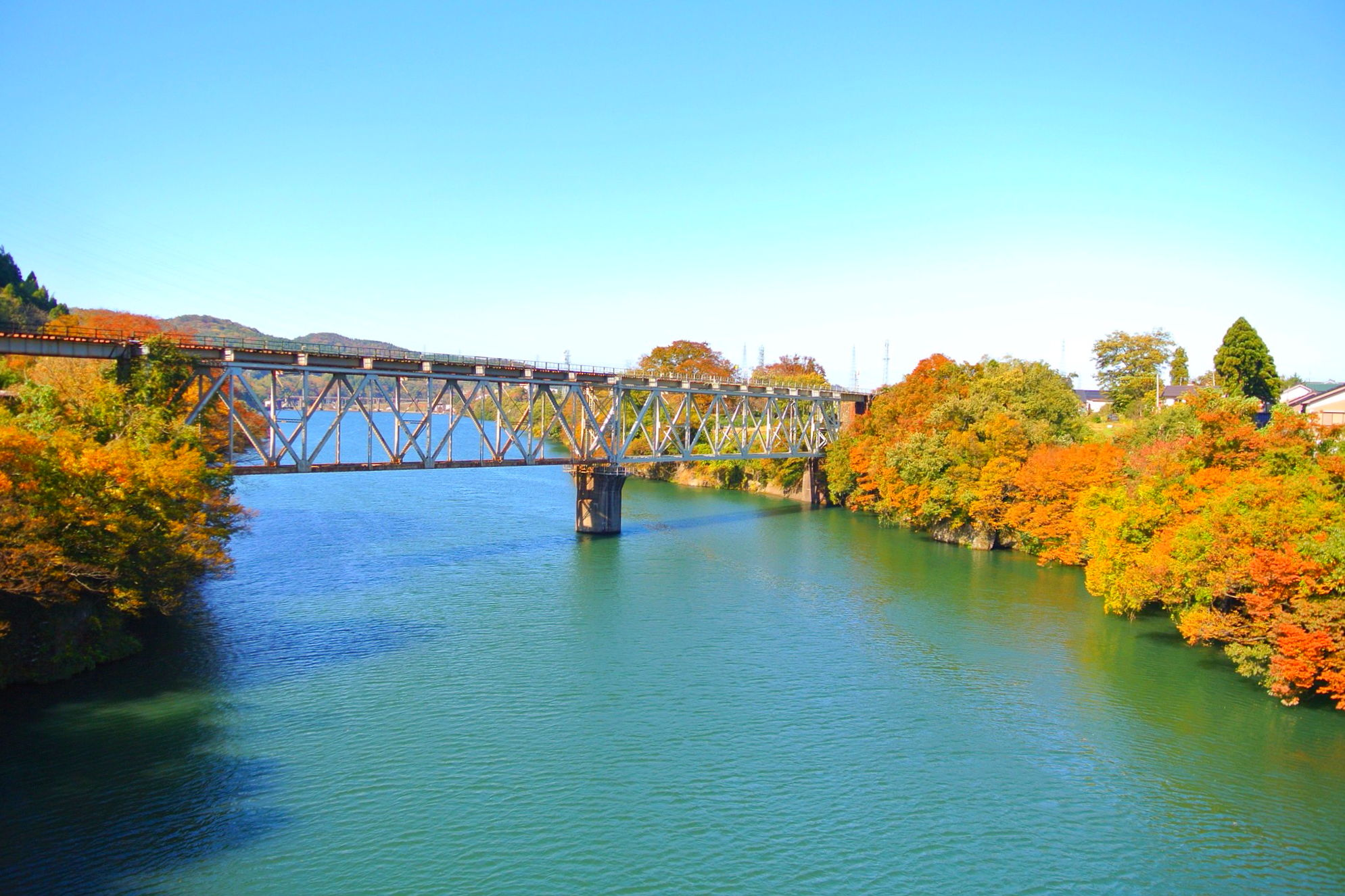 県内屈指の景勝地「神通峡」の紅葉を見に行ってきた