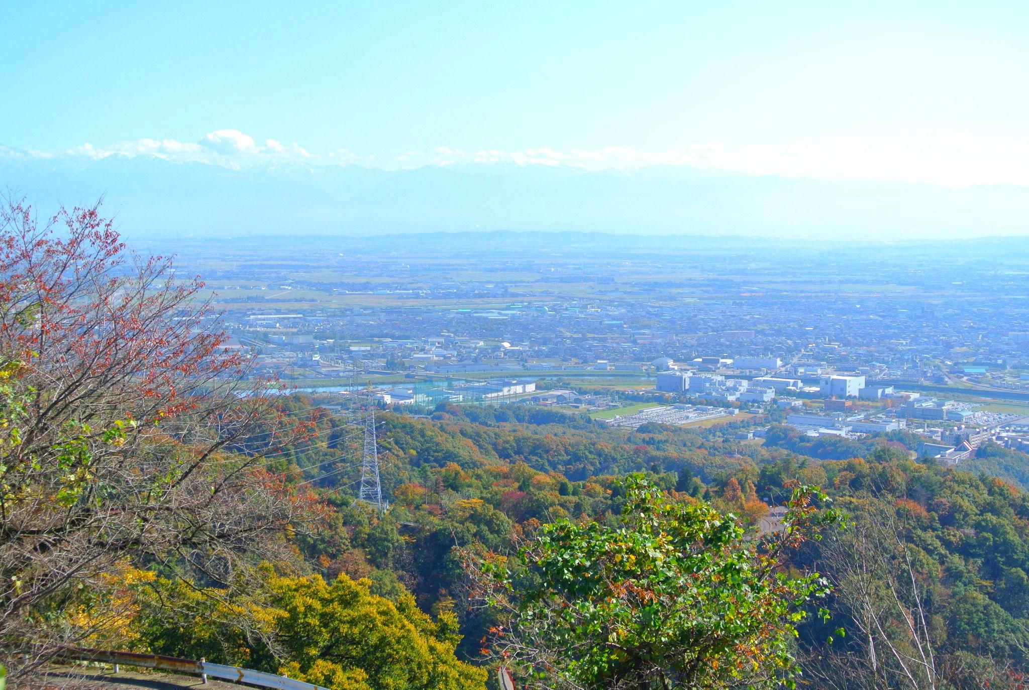 二上山で紅葉ドライブデート!富山湾も一望できる